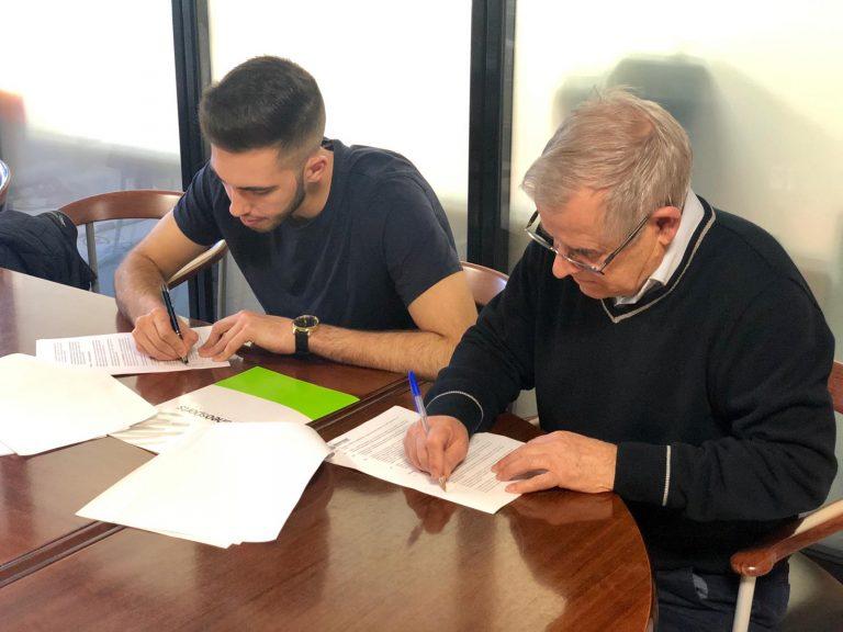 Borja Puerta firma contrato profesional para los próximos 4 años
