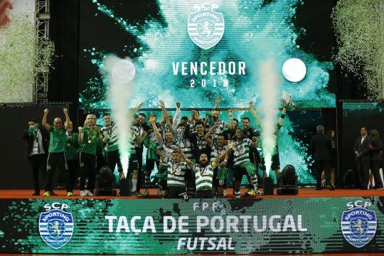Sporting festeja conquista da Taça de Portugal de Futsal