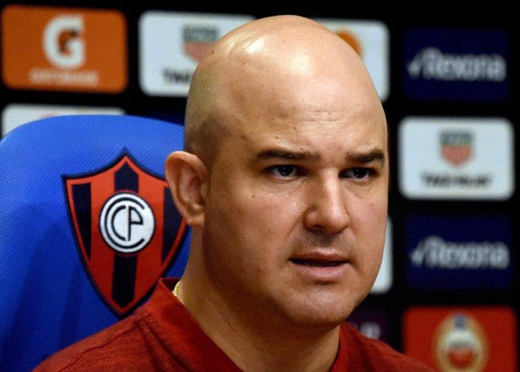 Cerro Porteño oficializa la salida de Fernando Jubero
