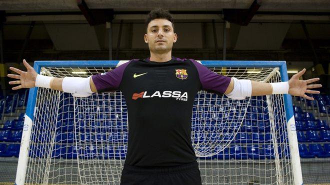 Juanjo Angosto da en los penaltis el primer punto al Barça Lassa